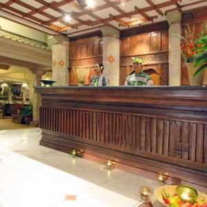 01.-Hotel-Lobby