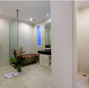 DELUXE VILLA BATH ROOM